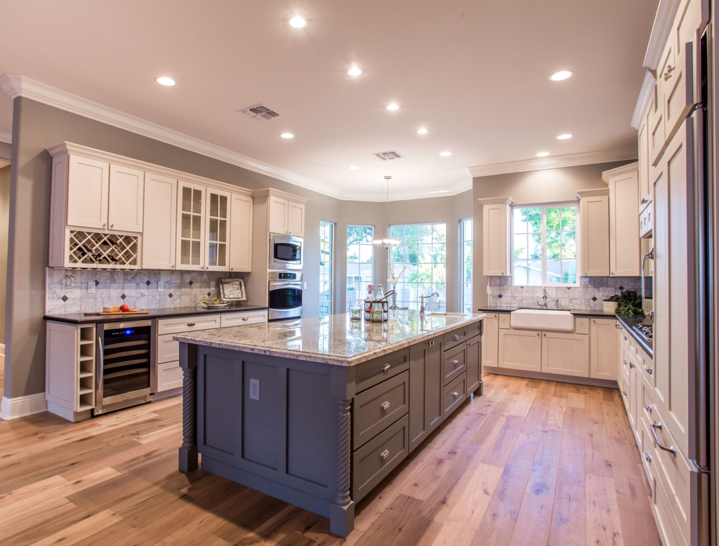 New kitchen remodel in chandler az granite countertops for Arizona kitchen cabinets
