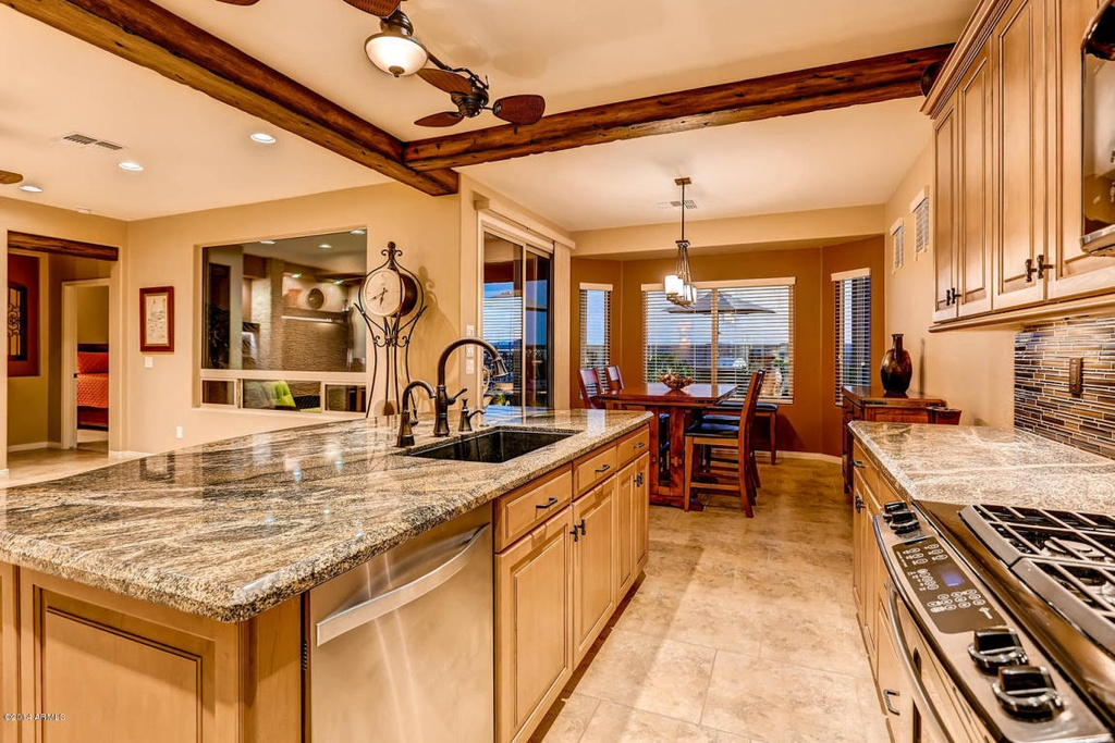Swell Lava Granite Kitchen Countertop Maple Cabinets Remodel Home Interior And Landscaping Elinuenasavecom